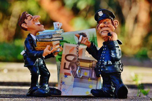שוטר וכסף