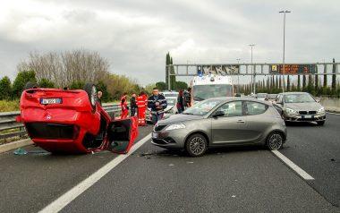 התנגשות בין כלי רכב