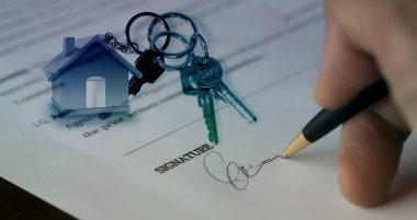 חתימה וצרור מפתחות